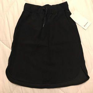 NWT - LuluLemon Woven On the Fly Skirt - Black